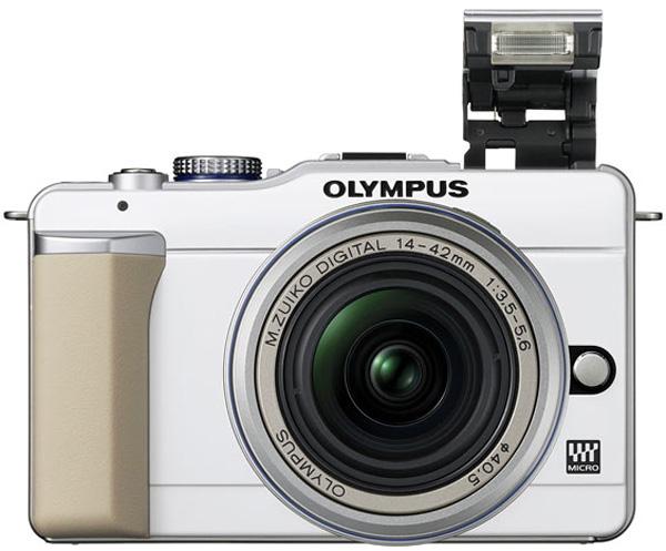 Olympus E-PL1, una cámara del tipo micro cuatro tercios con flash desplegable