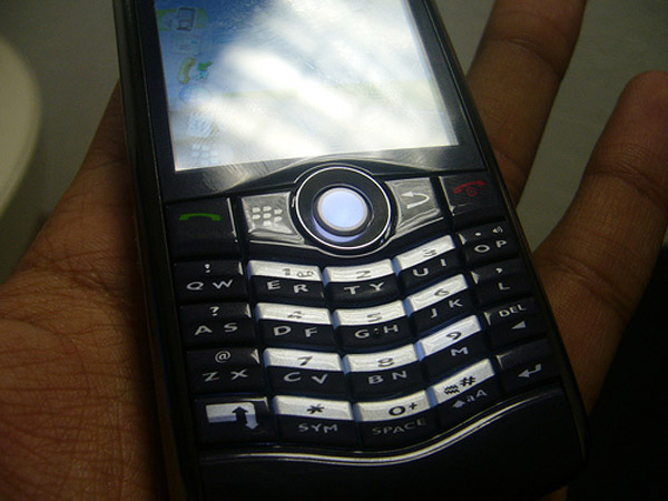 BlackBerry-Pearl-3G-02