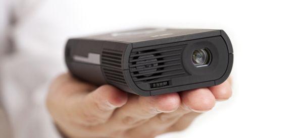 Picoproyectores 3M MP180 y MP160, pequeños, brillantes y muy conectados