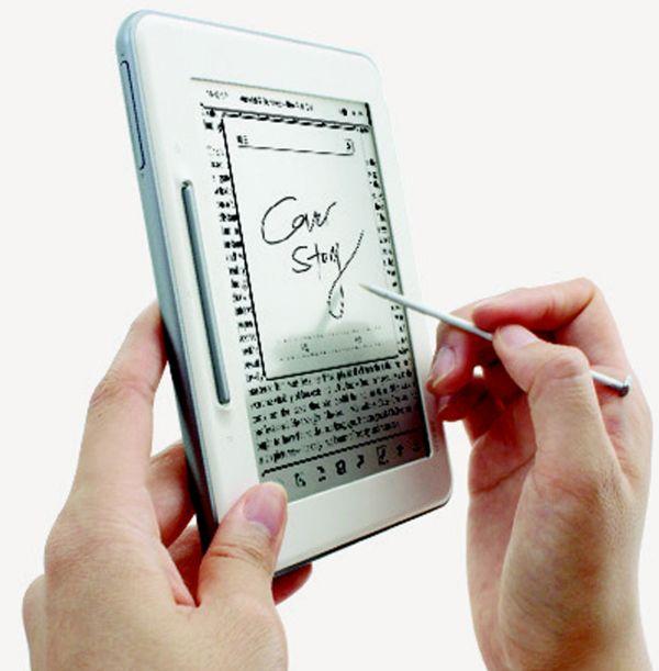 Lector digital Cover Story de Mundo Reader, en su pantalla se escribe como en el papel