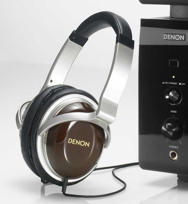 Denon AH-A100, auriculares de audiófilo con carcasa de caoba