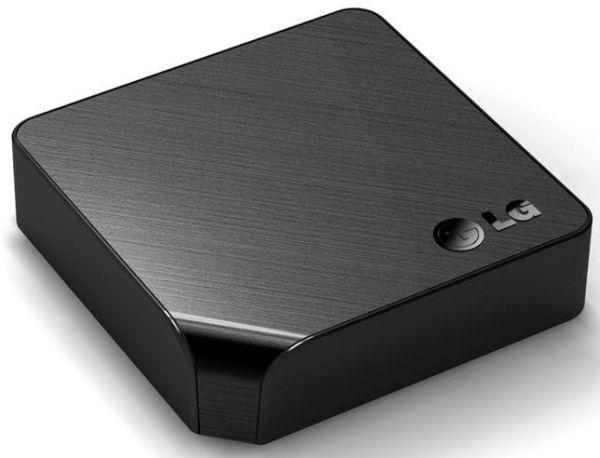 LG ST600, pequeño servidor multimedia con Smart TV