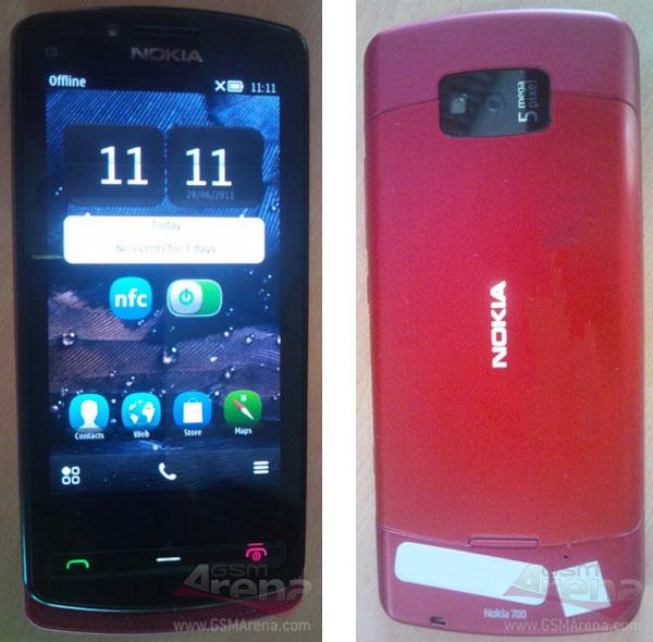 Nokia 700, primeras imágenes de un móvil con Symbian Belle