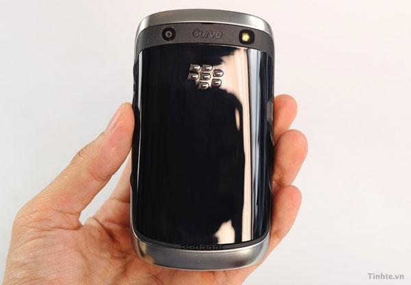 blackberry-curve-9370-2