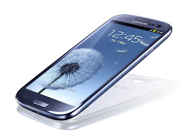 Samsung Galaxy™ S3 vs Huawei® Ascend D Quad XL