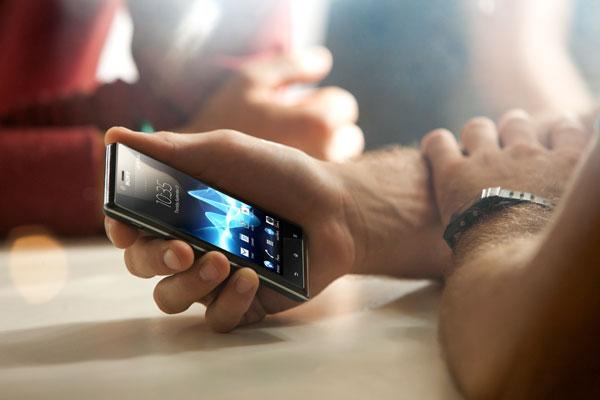Sony Xperia J 02