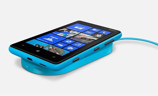 Nokia Lumia 820 06