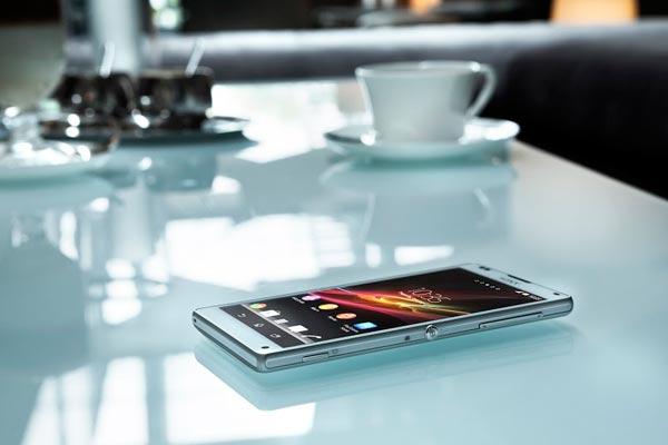 Sony Xperia™ Z 08