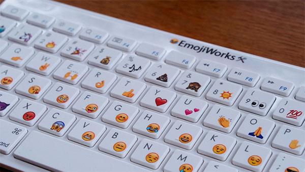 teclado emoji fisico