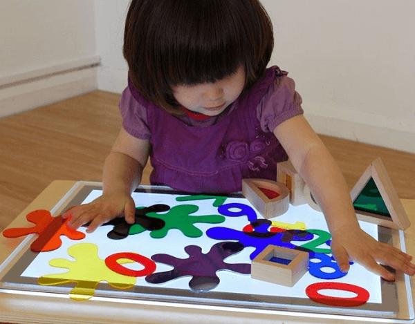 7 mesas de luz para niños que puedes comprar por Internet