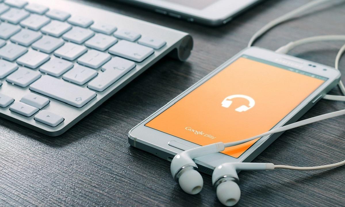 Cómo restringir la descarga de datos de aplicaciones bajo conexión móvil