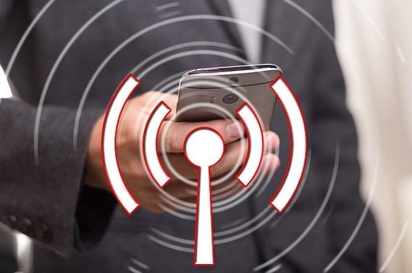 ¿Me están robando WiFi? Cómo descubrirlo desde el móvil