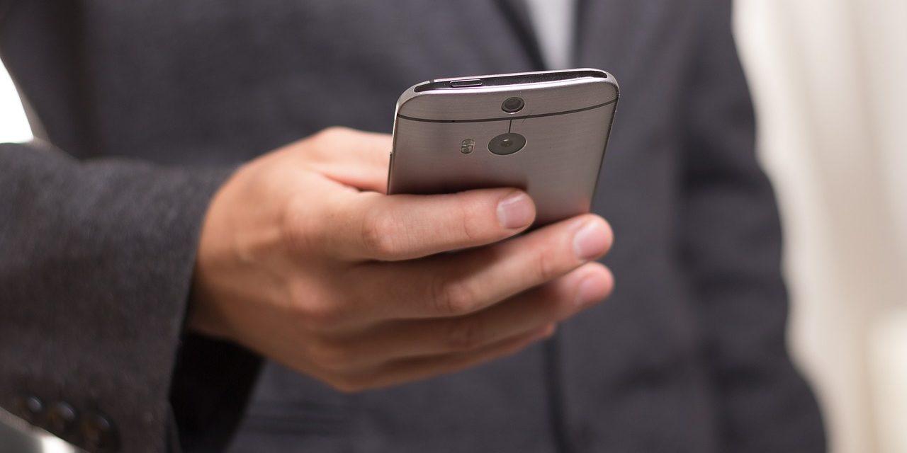 Cómo borrar el registro de llamadas y mensajes en un móvil Android