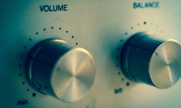 Cómo subir y bajar el volumen de un teléfono Android sin usar botones