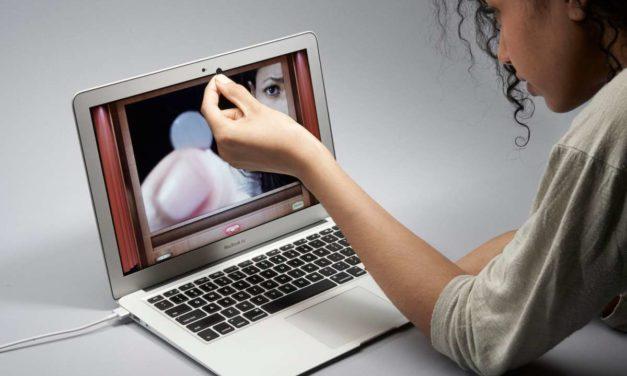 Cómo evitar que te espíen por la webcam